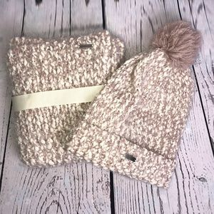 Steve Madden hat and scarf set